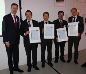 GL's Dr Pierre C Sames presents the GasPax project partners with approval in principle certificates. From left to right: Dr Pierre C Sames, Head of Research and Rule Development GL, Rolf Nagel, Flensburger Schiffbau-Gesellschaft, Dr. Bernhard Urban, Lürssen, Gerhard Untiedt, Meyer Werft, Hans-Christian Haarmann-Kühn, TGE Marine Gas Engineering.