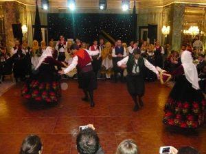The Ladies Lycee dancers in full swing...