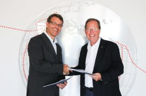 VOR signing - Knut Frostad CEO of the Volvo Ocean Race with Lars Safverstrom