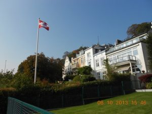 A view of some of the old Captains mansions in Elbterrasen - photo by Anny Zade