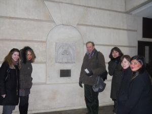 In front of Mercer's monument. From left to right: Sarah Caldwell, AMrina Burima, Sean Gay, Vaelntina Nikiforova, Kristina Narvidaite, Magda Garcia.