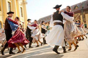 folk dance n Debrecen