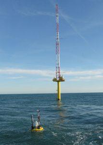 Fugro SEAWACH LiDAR buoy met mast Ijmuiden