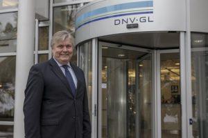 Henrik and DNV GL logo4