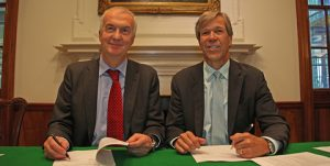 Tom Boardley, LR's Marine Director (left) and Brien Bolsinger, Vice President, Marine Operations, GE Marine signing the MOU