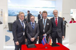 From right to left: Dr. Torsten Büssow, head of the performance management unit at DNV GL and Albrecht Grell, head of DNV GL's Maritime Advisory division sign a cooperation agreement with Ole Skatka Jensen, CEO of Marorka and Dr. Bjarki Andrew Brynjarsson, COO of Marorka at the SMM.