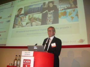 Knud Erik Wichmann delivering his slides supported presentation