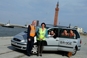 ABP Port Manager Grimsby & Immingham Mike Sellers with members of the BRIDGEFriends team and the vehicle that needs replacing (image courtesy of ABP / David Lee Photography)