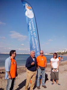The Mayor of Palaio Faliro, K. Hatzidakis, and the Ambassador to Turkey in Athens welcome volunteers