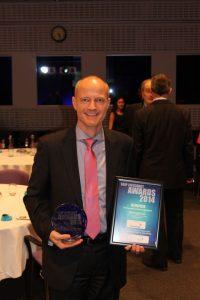 Hempel's Claes Skat-Rørdam receiving the award