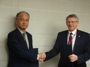 l to r: Mr. Yasushi Nakamura, NKCS Operating Officer  and Mr. Arne Michelsen, SecretariatManager of FROSIO