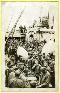 American soldiers on board the Kroonland, around 1917. (c) Friends of RedStar Line.