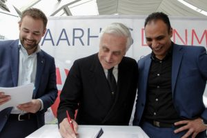 Left ro right: Mr. Jacob Bundsgaard – Mayor of Aarhus, ISAF President Carlo Croce and Mr. Rabih Azad-Ahmad – Cultural Mayor, Departments of Culture and Citizens Services, City of Aarhus at the signing of the contract for the 2018 ISAF Sailing World Championships in Aarhus, Denmark.