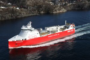 The M/S Kvitbjørn is fuelled by liquefied natural gas (LNG) and can carry as much cargo as 200 trucks.
