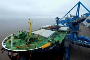 ABP's continuous ship unloaders discharge around 60, 000 tonnes of biomass from the POPI S at the Port of Immingham (image courtesy of ABP/David Lee Photography