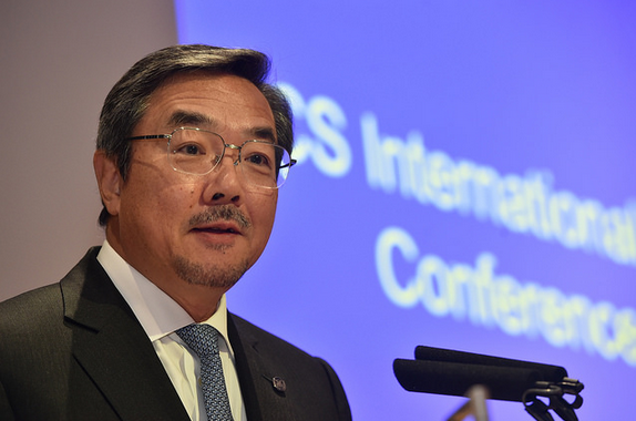 Koji Sekimizu delivering his speech - picture credits LISW15 FLICKR