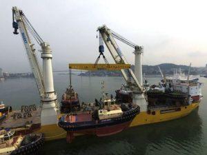 Loading in Ha Long Bay