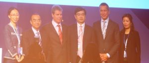 IUMI president Dieter Berg (third from left) and secretary general Lars Lange welcome China delegates.