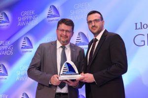 DNV GL's Ioannis Chiotopoulos presenting the Award to Serafim Katsikas of prisma Electronics