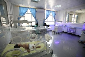 An infant in an incubator at Al-Sabeen Hospital in Sana'a. Intensive fighting and bombing has caused frequent power cuts, shortage of medicines and fuel paralyzing hospitals across Yemen. Photo: UNICEF/Magd Farid