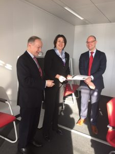 Hans-Peter Hadorn (EFIP President), Commissioner Violeta Bulc (Commissioner for Transport), Alexander van den Bosch (EFIP Director)