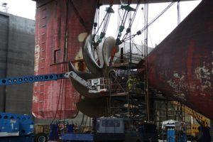 Emma Maersk at DSBr - The rudder part