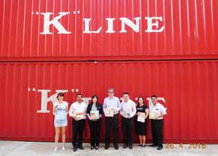 """Persons in charge of social contribution project at local offices of both Sony and """"K"""" Line in Singapore"""