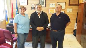 l to r: Lidia Villegas, Capt. Antonio M. Padrón y Thierry B. Verstraete