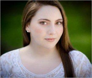 Mezzo-soprano Chloë Treharne