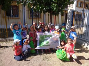 """Cleanup of the school yard of the 2nd Kindergarten of Loutraki from pupils and teachers-members of the """"HELMEPA Junior"""" Program"""