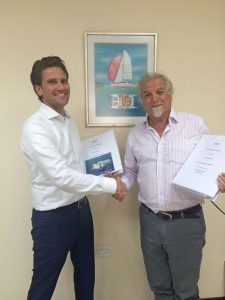 Contract signing Clive Frost - Pascal Slingerland