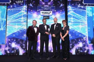 Fredrik Nystrom, Group VP – Middle East, receives the Ship Agent Award at the Seatrade Maritime Awards for the Middle East and Indian Subcontinent, held at the Atlantis The Palm hotel.