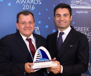 Mr. Antonis Maniadakis of Minoan Lines accepting the Passenger Line of the Year Award from Mr. Raffaele Palumbo of sponsor Palumbo Group.